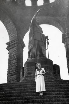 Statue an der Porta Westfalica