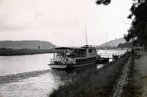 Schiff an der Weser