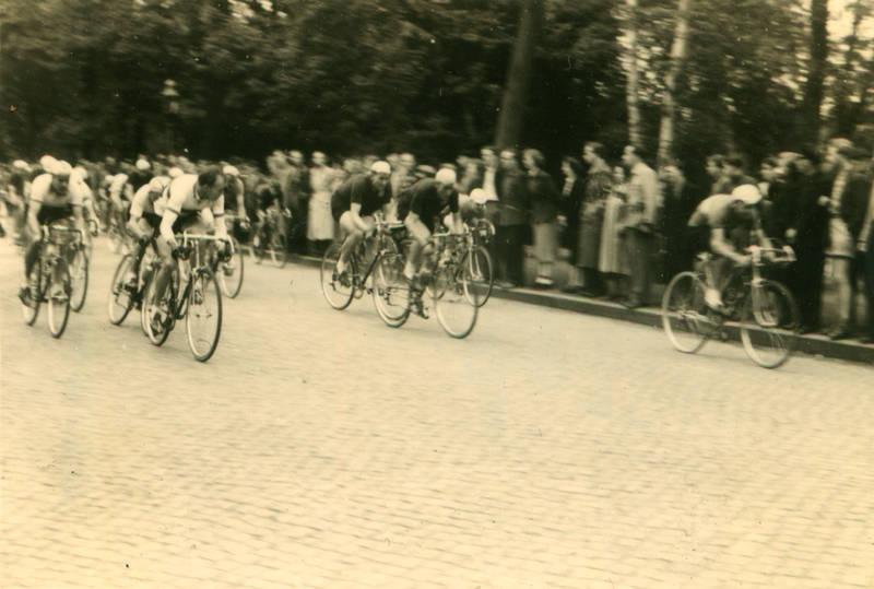 berlin, fahrrad, publikum, radrennen, rennrad, Rennräder, rennsport, sport, straße, straßenfahren, Straßenrennen
