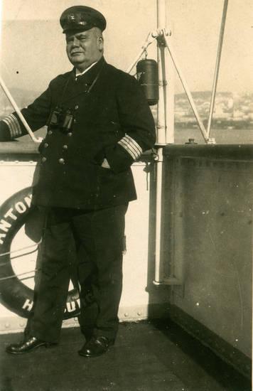 antonio delfino, Fernglas, Hamburg Südamerikanische Dampfschifffahrts-Gesellschaft, Kapitän, mütze, rettungsring, Uniform