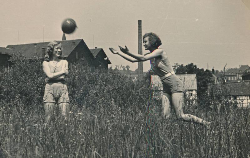 ball, Ballspiel, gras, haus, spiel