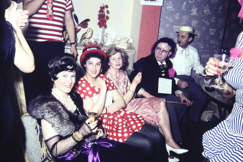 charlston, Deko, Düsseldorf, Inneneinrichtung, karneval, Kostüm, lehrer, mode, rauchen, Sekt, zigarette