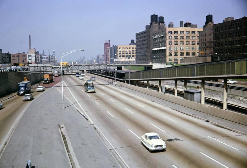 auto, Chicago, KFZ, Klenwagen, Lastwagen, Mickey Mouse, Nash-Metropolitan, PKW, straße, straßenbahnhaltestelle, usa