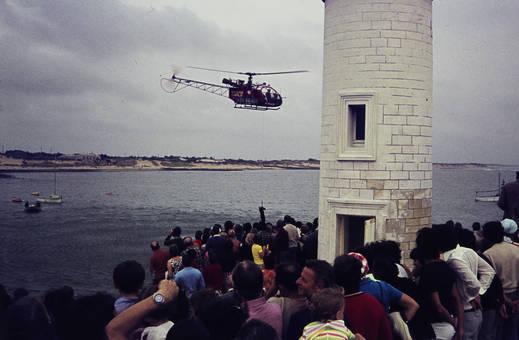 Hubschrauber am Leuchtturm
