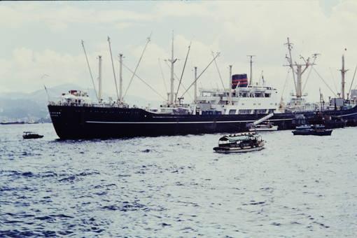 Schiff in Hongkong