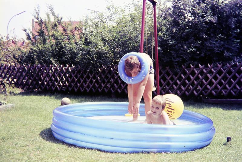 ball, Delial, freizeit, garnier, garnier delial, Kindheit, Liegestuhl, Planschbecken, Schwimmring, somme, Sonne, sonnen, sonnenstuhl, Spaß, spielen, Wasserbecken