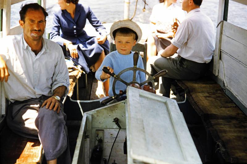 Boots, Hafenrundfahrt, Kapitän, Kapitänsmütze, Kindheit, Steuerrad, urlaub