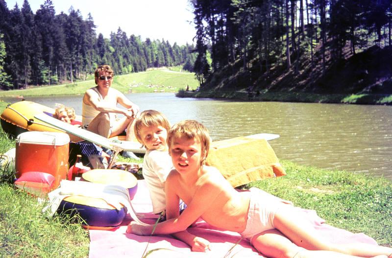 ausflug, boot, familie, Handtuch, Kühlbox, liege, picknick, schlauchboot, sonnenbrille, urlaub