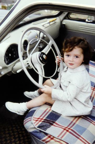 armaturenbrett, auto, Ford Taunus 12m/15m, KFZ, Kindheit, kleid, lenkrad, mode, PKW, Spaß, spielen, steuer, weltkugel-taunus