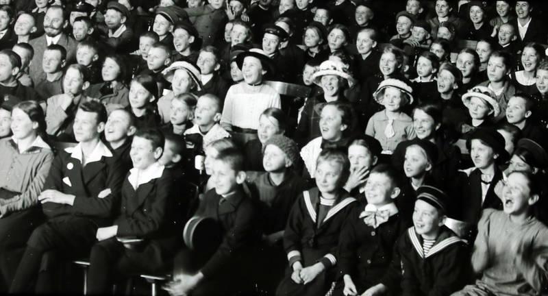 film, Filmvorführung, freizeit, Kindheit, Kino, Spaß
