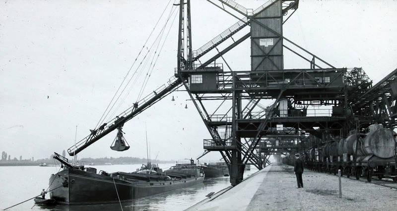 BASF, Chemie, Chemieunfall, Explosion, Hafen, Ludwigshafen am Rhein, Oppau, schiff, Unglück, zug