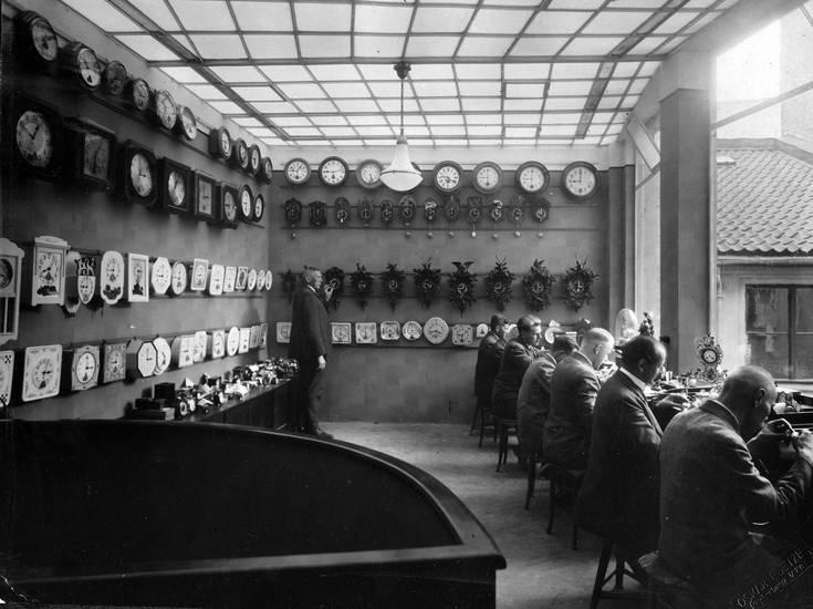 Bistrick, Juwelier, Kalinigrad, Königsberg, Reparatur, Uhrenwerkstatt, Wanduhr
