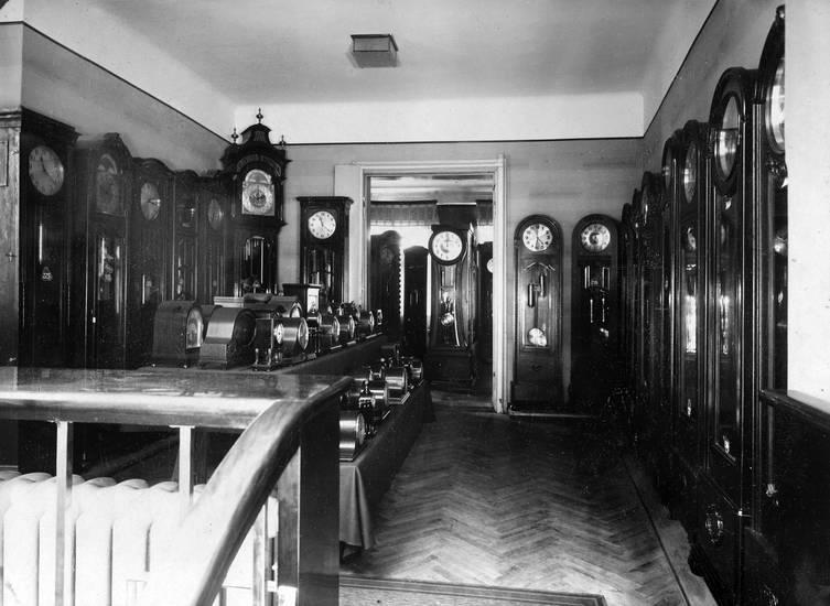 Bistrick, Juwelier, Kalinigrad, Königsberg, standuhr, Verkaufsraum