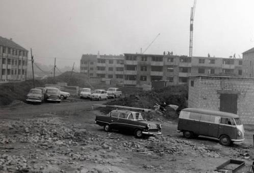 Baustelle mit Autos