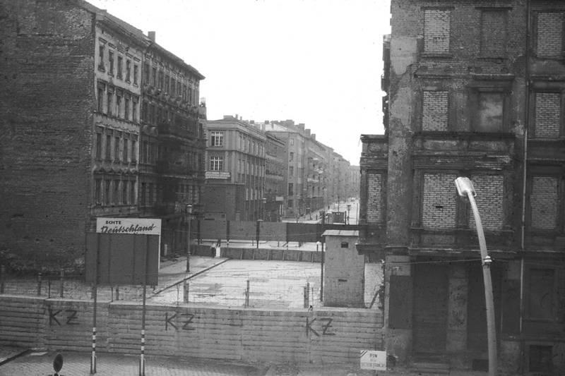 1964, berlin, Berliner MAuer, Bernauer Straße, ddr, genze, stacheldraht