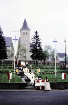 Der Aufstieg zur Kirche