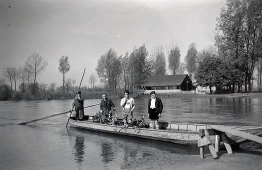 Bootsfahrt über die Sieg