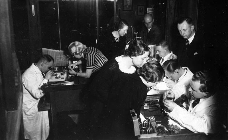 Kalinigrad, Königsberg, Mitarbeiterschulung, Reparateure, Schulung, Uhrengeschäft, verkäufer