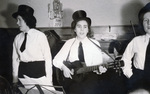 Drei singende Frauen