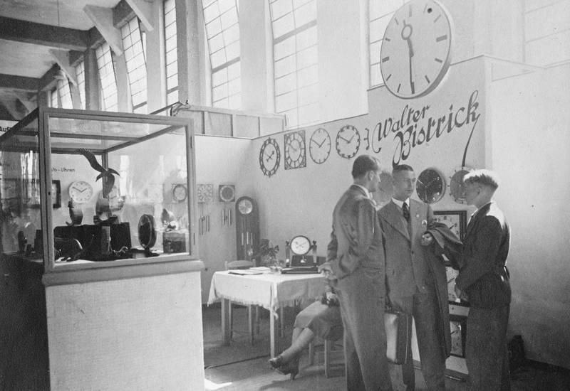 Bistrick, Kalinigrad, Königsberg, Leipzig, Messe, Uhrengeschäft, verkäufer