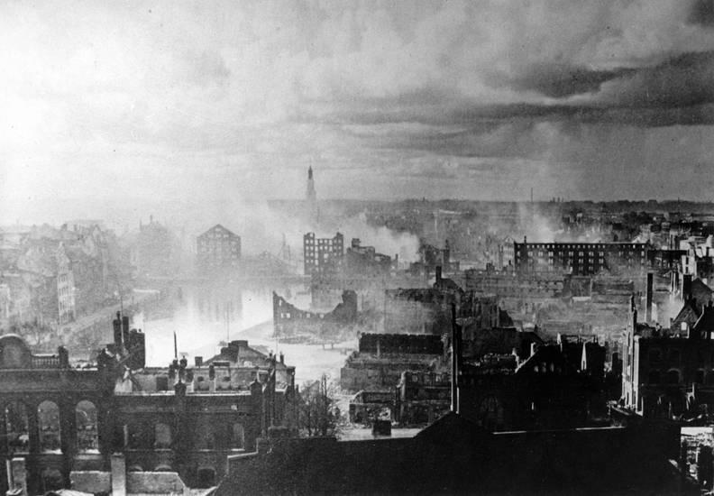 abgebrannt, Feuer, Kaliningrad, Königsberg, Rauch, Zerstörung
