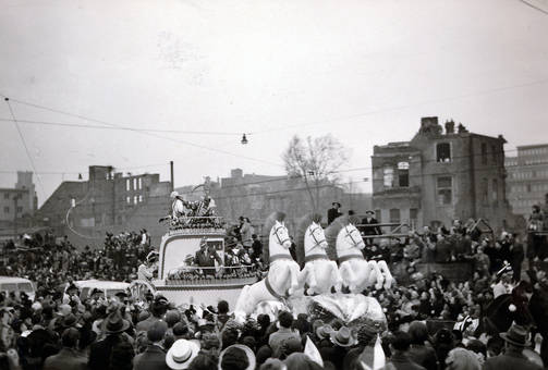 Kölner Rosenmontagszug 1952
