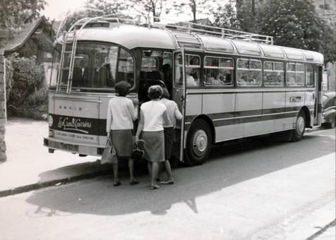 Bus in Barbizon