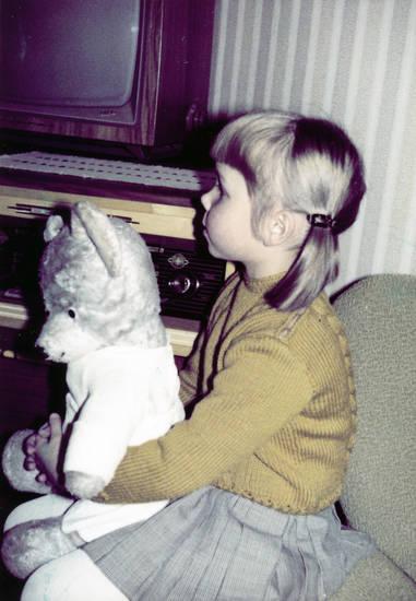 fernsehen, Fernseher, Kindheit, Kuschelbär, Kuscheltier, sofa, Teddy, tv