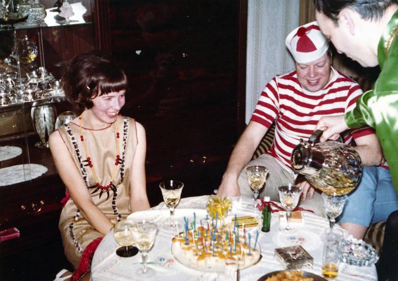 einschenken, Glas, karneval, kuchen, tisch