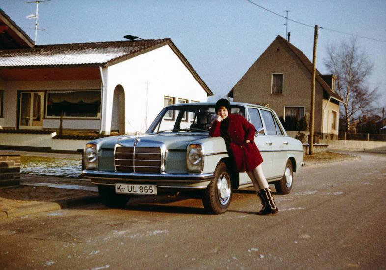 auto, Benz, haus, KFZ, Kindheit, mercedes, PKW, straße, W 114/115