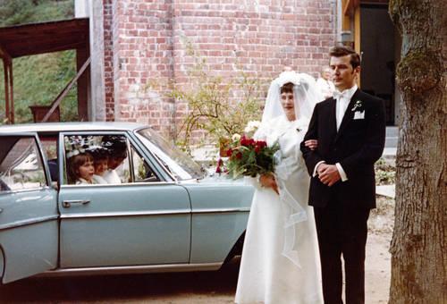 Braut, Bräutigam & Auto