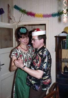 Walzertanz auf Kostümparty