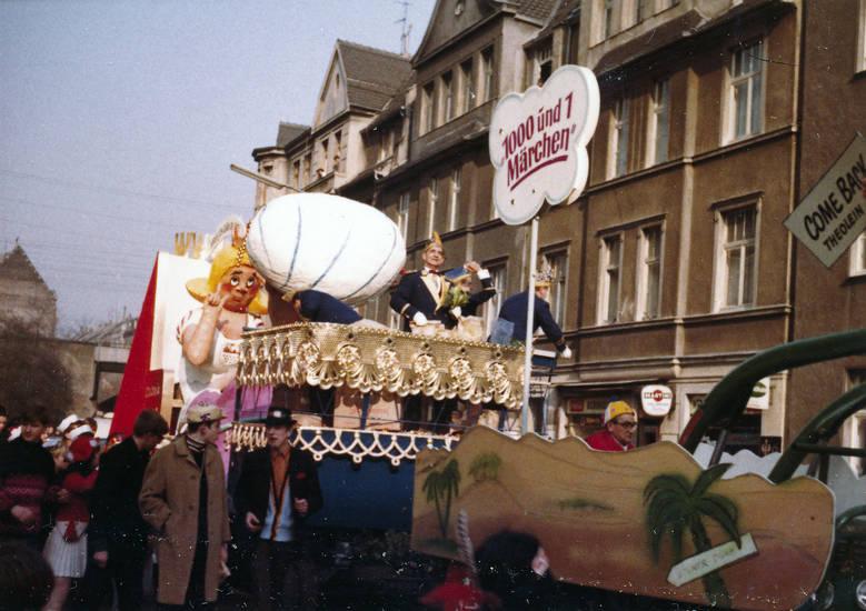 1000 und 1 Märchen, karneval, Karnevalswagen, Karnevalszug, straße, wagen, zug