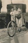 Freundinnen und Fahrrad