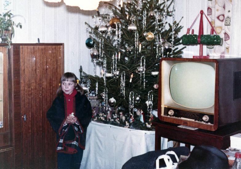 christbaum, christbaumkugel, Fernseher, Kindheit, Weihnachten, Weihnachtsbaum
