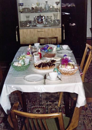 Bärenmarke, Ei, kuchen, Milch, osterei, Osteressen, osterfrühstück, tisch