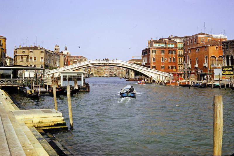 boot, brücke, canal grande, cannaregio, Gondel, liquore galliano, Ponte degli Scalzi, reise, Reklame, schnellboot, Sestiere Cannaregio, urlaub