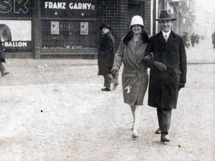 Franz Garny, haus, hut, innenstadt, mantel, straße