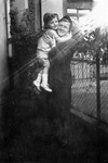Frau mit kleinem Kind