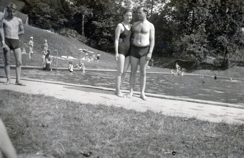 badeanzug, baden, freibad, gras, schwimmbad