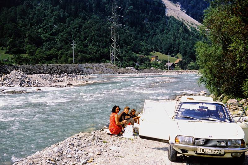 Alpen, auto, essen, familie, KFZ, Kindheit, mode, nsu-ro80, PKW, Rast, urlaub, Urlaubsreise, Zusatzscheinwerfer