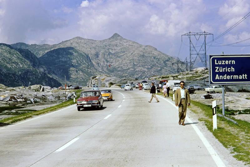 Alpen, andermatt, auto, KFZ, luzern, MGB-MkI, mode, Pass, PKW, Renault 16, sonnenbrille, straße, VW-Käfer, Zürich