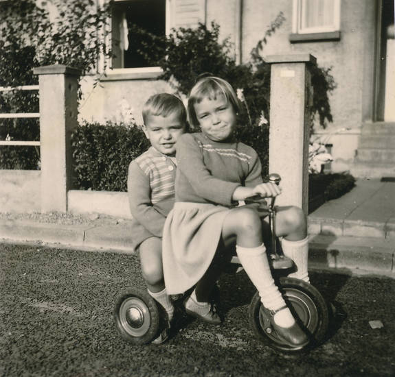 Dreirad, garten, Geschwister, Kindheit