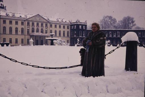 Schneegestöber vor dem Schloss