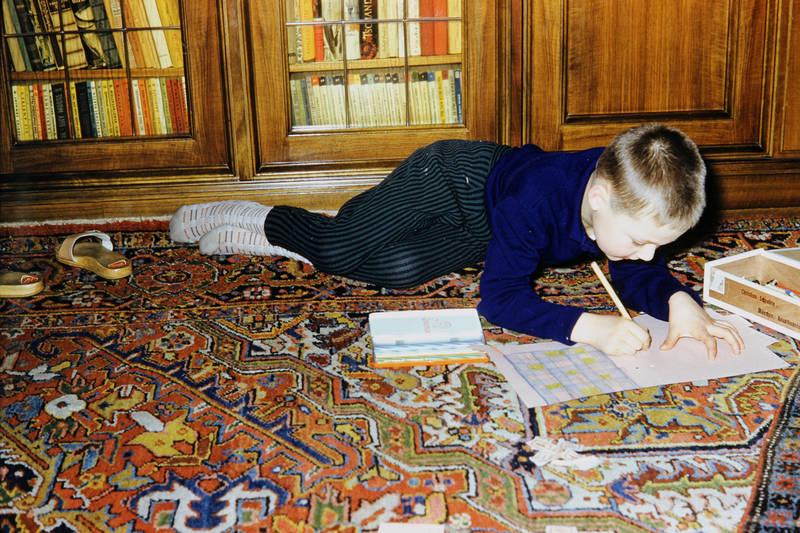 Blatt, Buntstifte, Holzklepper, Kindheit, malen, mode, wohnzimmer