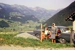 Auto in den Alpen