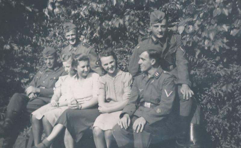 2.Weltkrieg, Dienstgrad, freizeit, Gefreiter, Nationalsozialismus, park, soldat, Uniform, zweiter weltkrieg