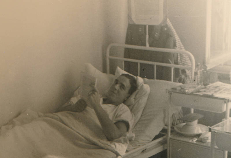 Buch, Heilung, Krankenbett, krankenhaus, Lazarett, Lesen, Reichsarbeitsdienst, Verwundeter, Zeitschrift