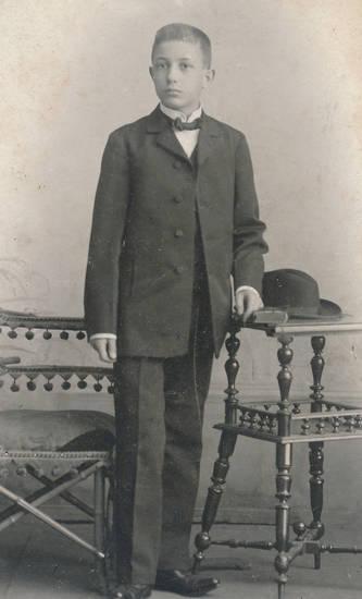 1901, Breslau, Fotoatelier, Fotostudio, Fotostudio Berndt, geburtstag, Jugendlicher, Schlesien