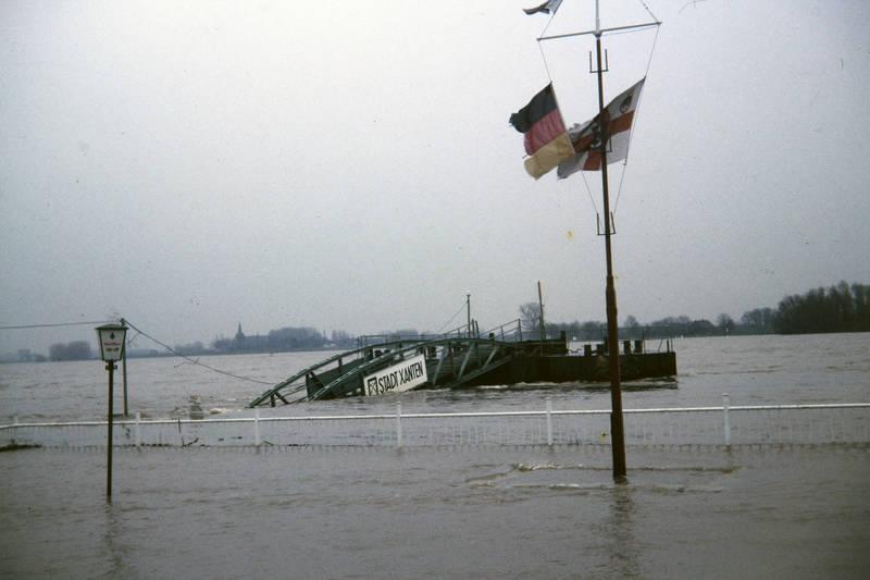 fahne, fluss, Hochwasser, Mast, Steg, xanten